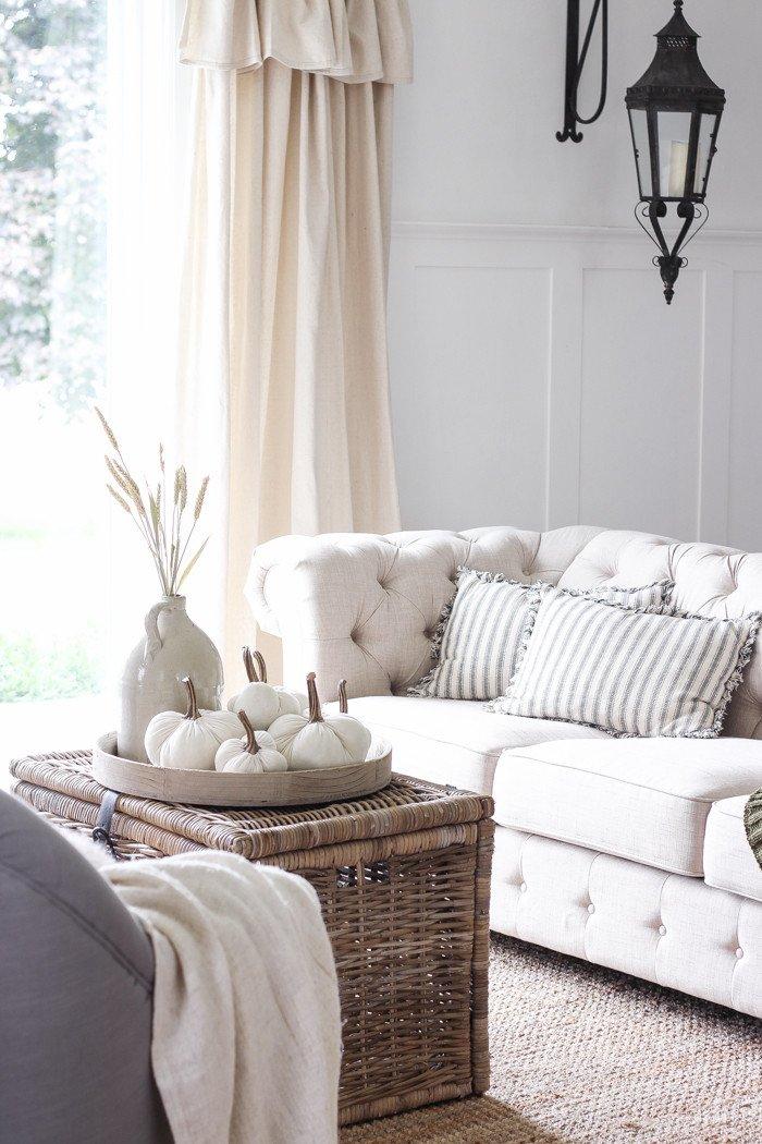 Farmhouse Living Room Curtains Decor Ideas 20 Farmhouse Fall Decor Ideas that Look so Warm and Wel Ing
