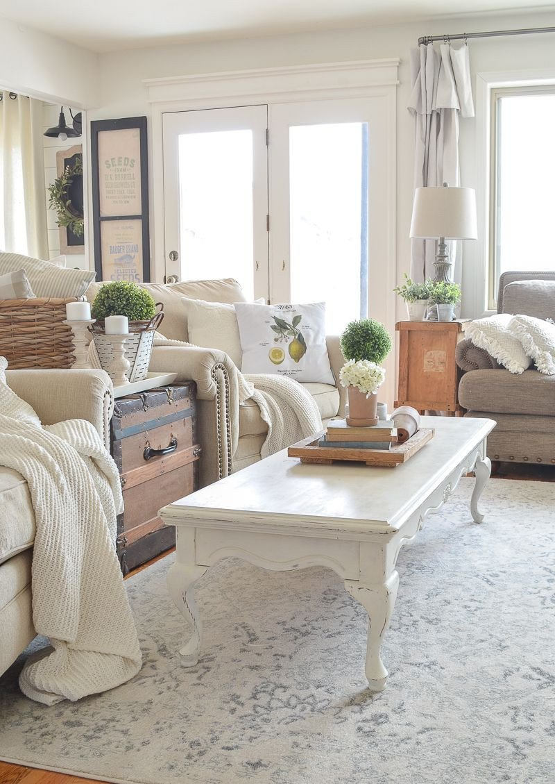 Farmhouse Living Room with Rug My Favorite Rug Greenhouse Visit & More Favorites