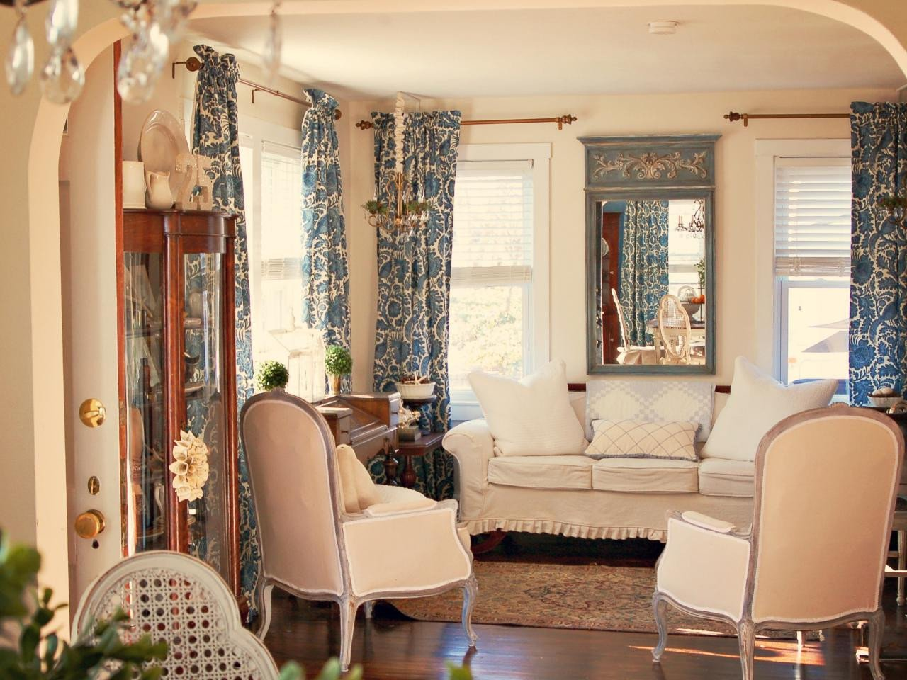 French Country Decor Living Room French Inspired Design From Hgtv