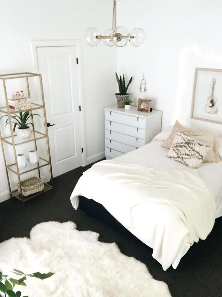 Gold and White Bedroom Decor Gold Bedroom Decor