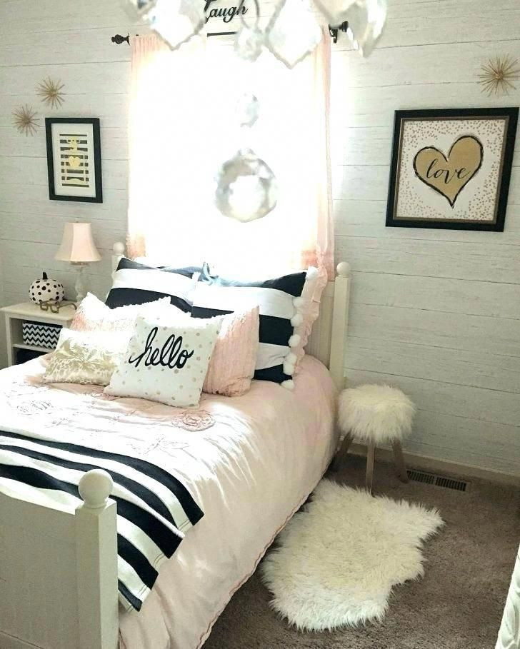 Gold and White Bedroom Decor Looks so Calming Will Use This for My Bedroom