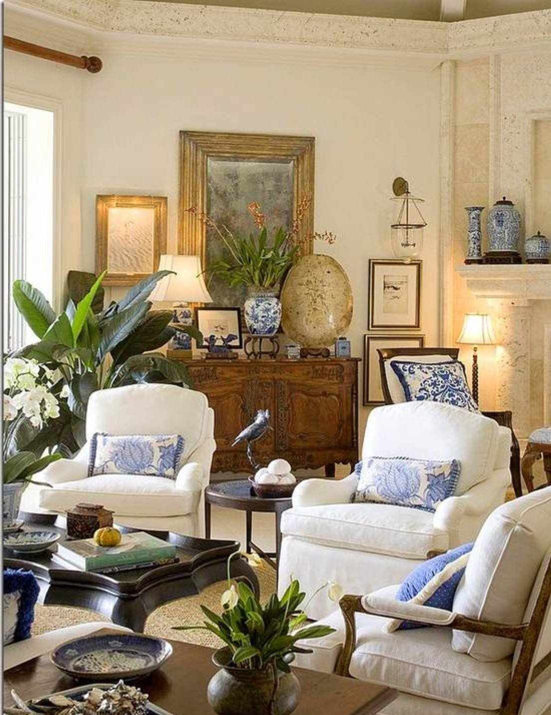 Homey Traditional Living Room Tips for Designing Traditional Living Room Decor
