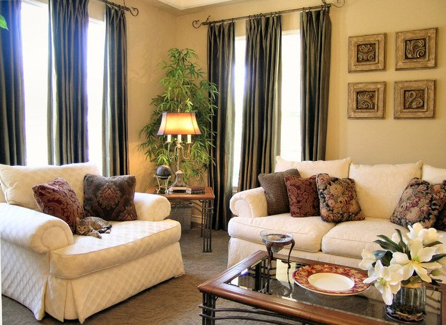 Homey Traditional Living Room Warm Traditional Home Traditional Living Room Los