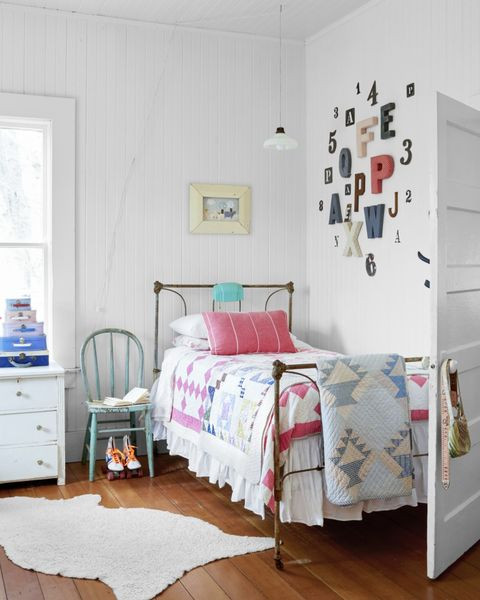How to Decorate Bedroom Walls 24 Creative Bedroom Wall Decor Ideas How to Decorate