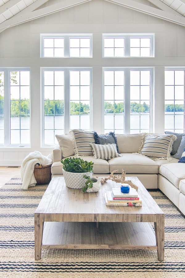 Lake House Decorating Ideas Bedroom Lake House Blue and White Living Room Decor the Lilypad