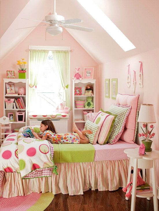 Little Girl Bedroom Decor Bedroom Decorating In Pink and Red