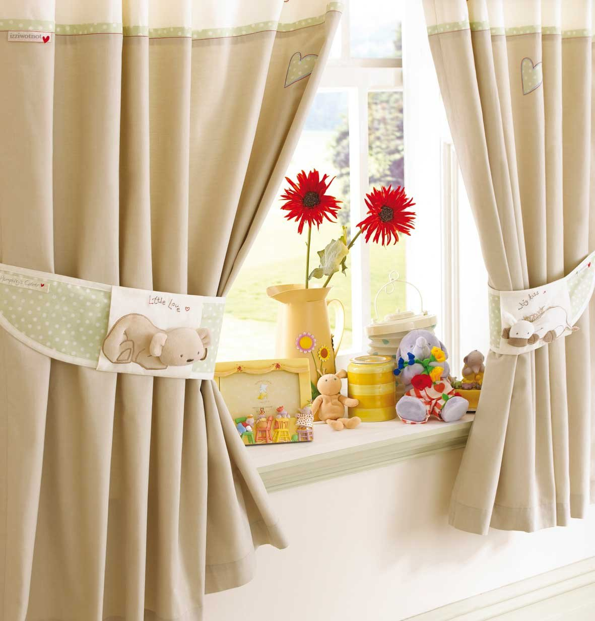 Living Room Curtains Ideas Curtains – Fabric Tips and Designs
