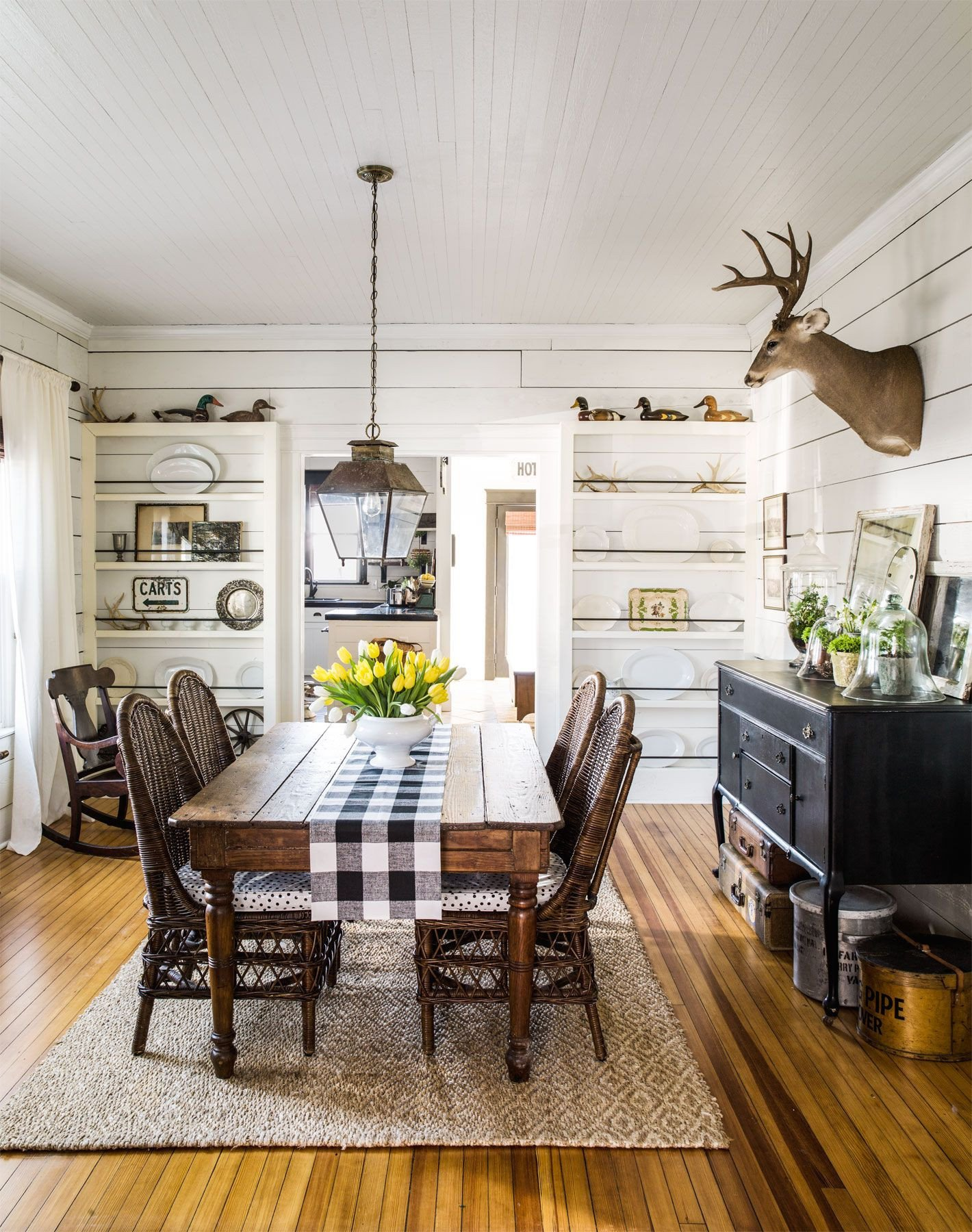 Modern Living Dining Room Decorating Ideas 18 Vintage Decorating Ideas From A 1934 Farmhouse