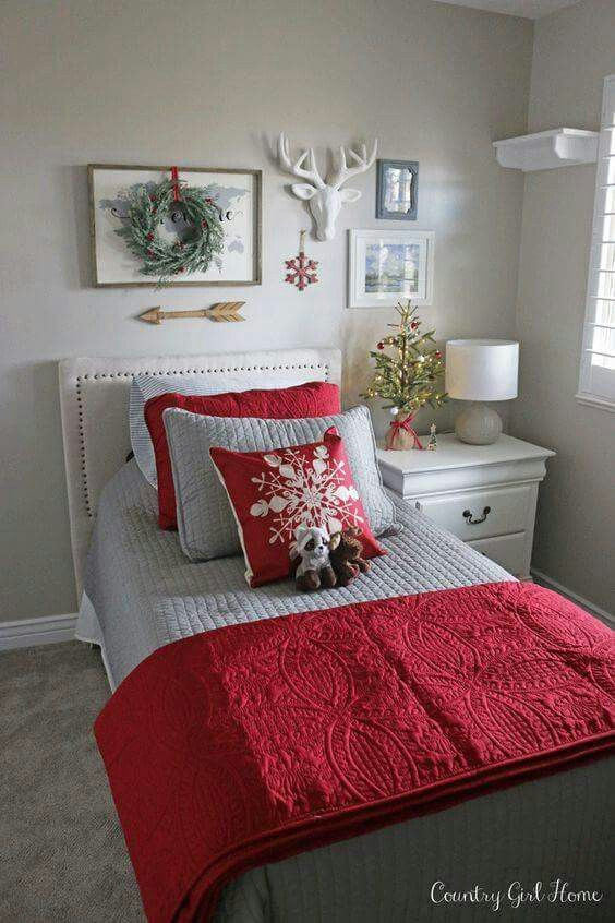 Red and Gray Bedroom Ideas Red Gray Christmas Bedding Idea with Snowflake Pilow and