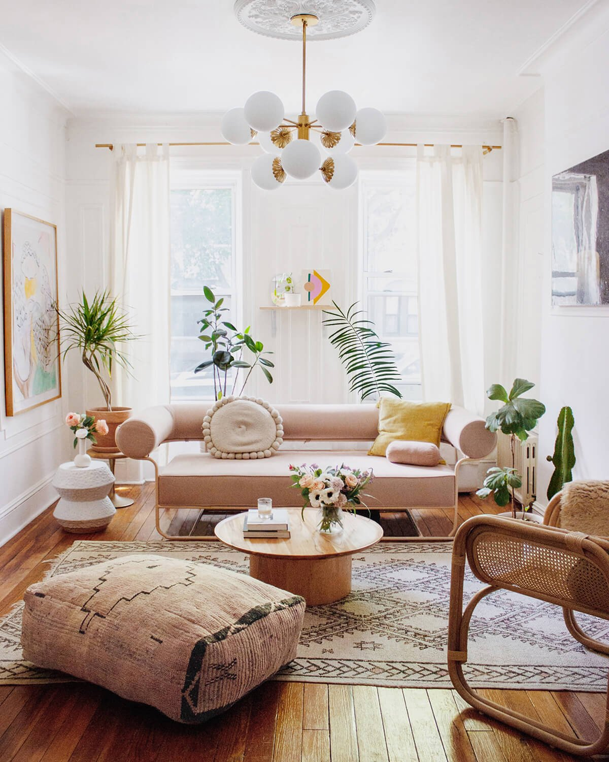 Small Apartment Living Room Decor 20 Best Small Apartment Living Room Decor and Design Ideas