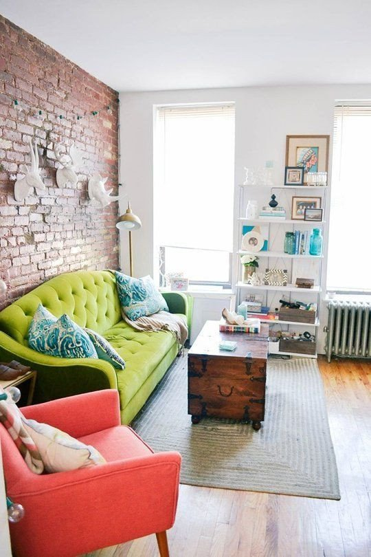 Small Apartment Living Room Decor 27 Daring Red and Green Interior Décor Ideas Digsdigs