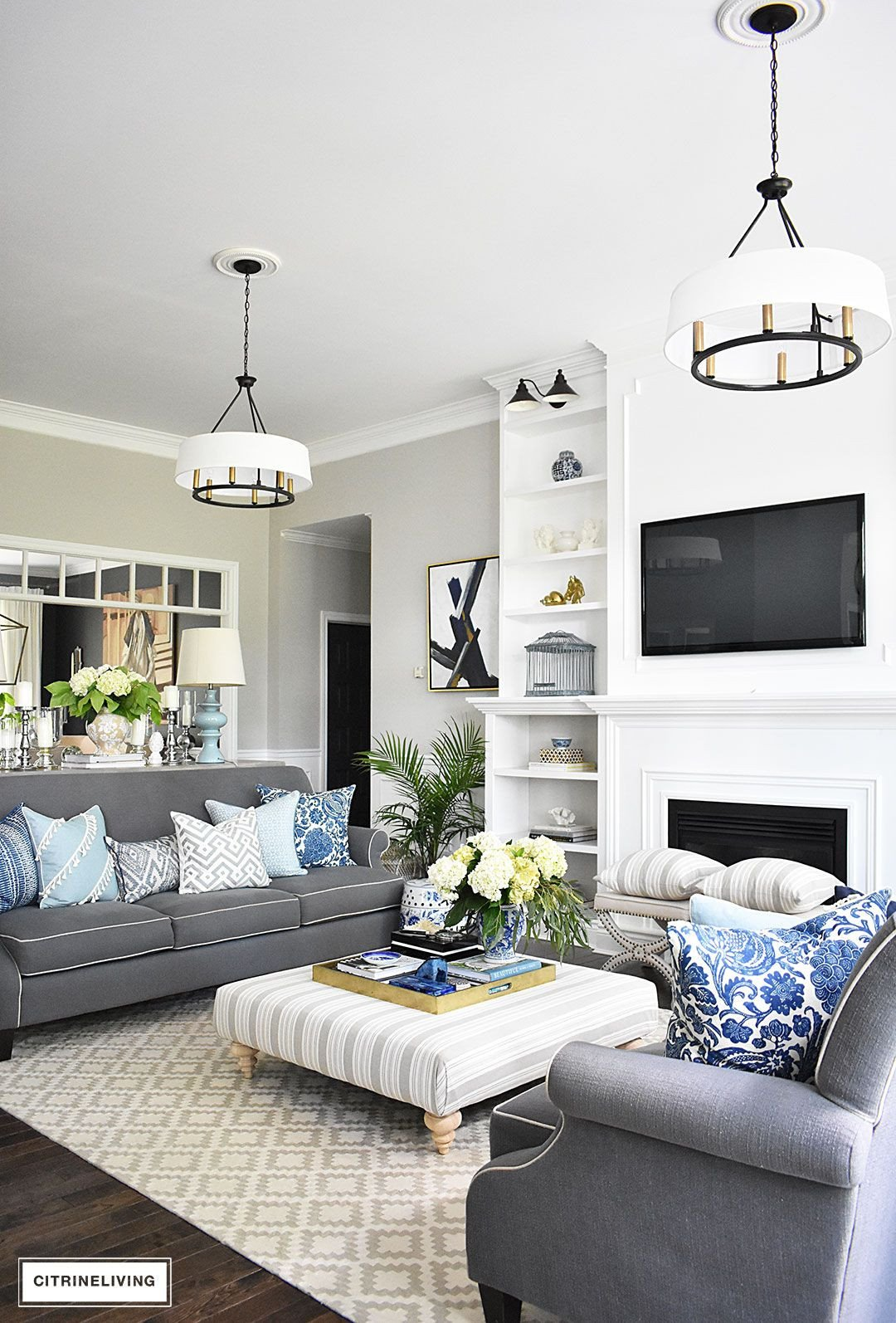 Small Blue Living Room Ideas 20 Fresh Ideas for Decorating with Blue and White