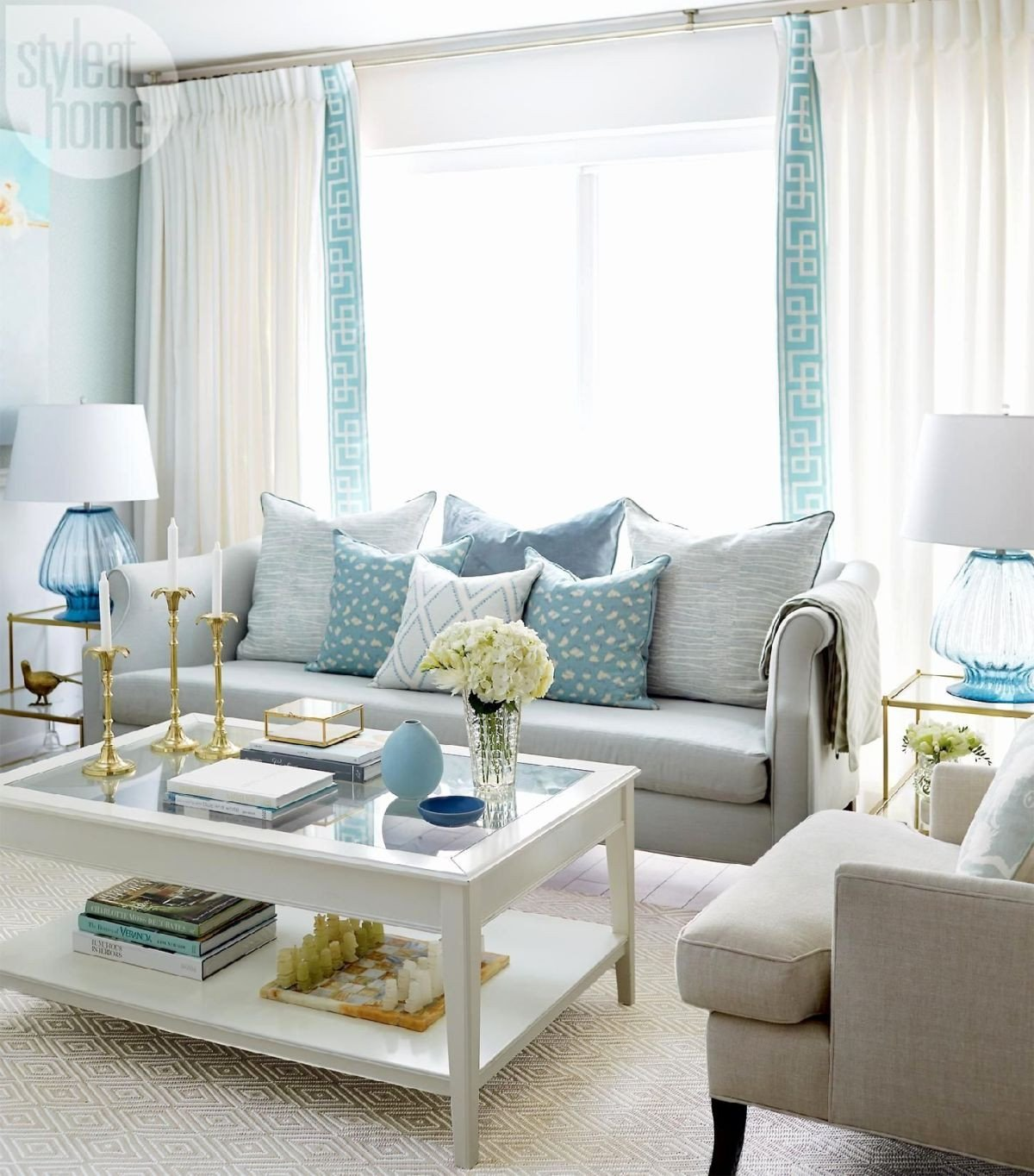 Small Blue Living Room Ideas 29 Blue Living Rooms Made for Relaxing
