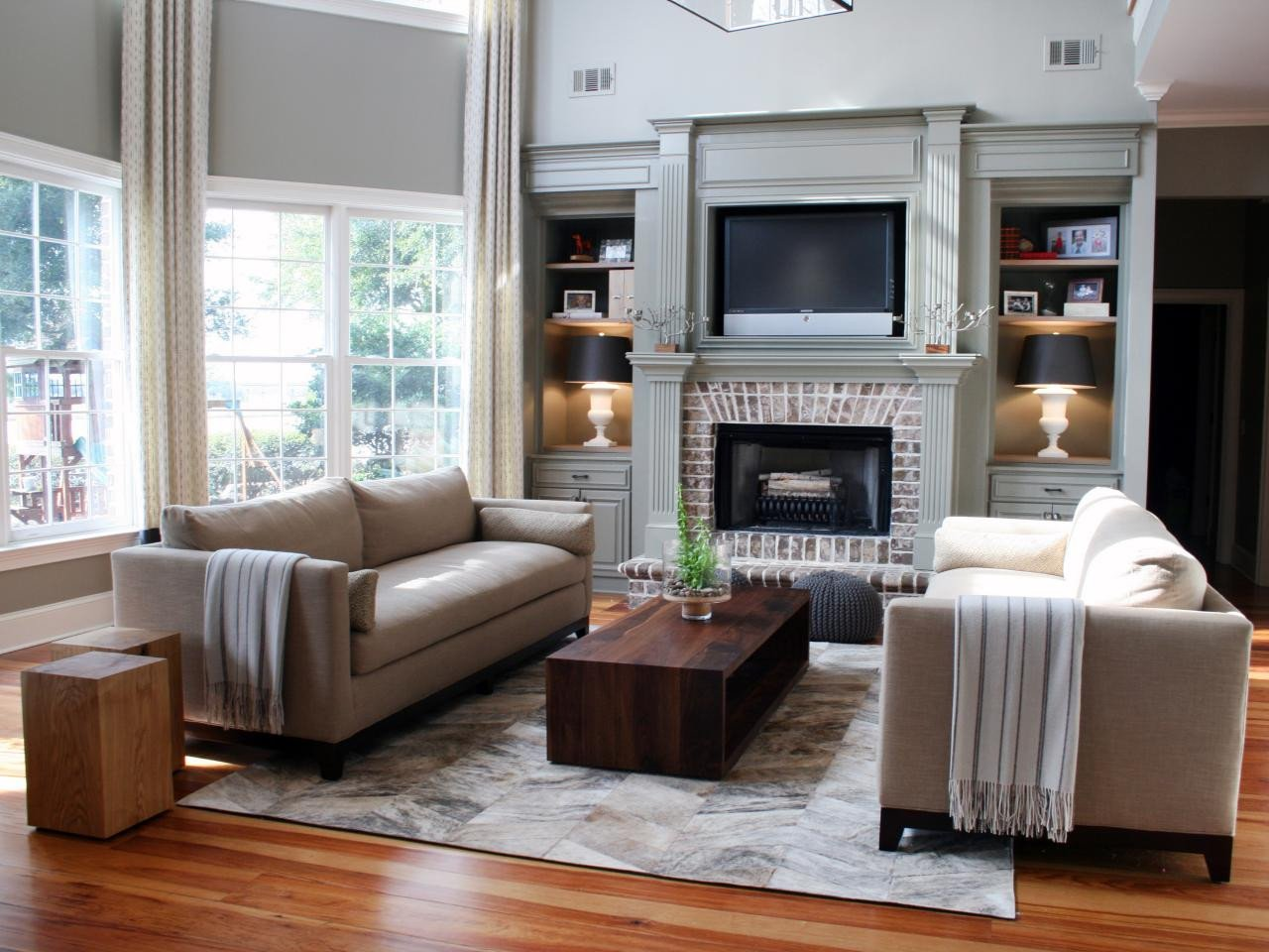 Small Living Roomwith Fireplace Ideas 20 Mantel and Bookshelf Decorating Tips