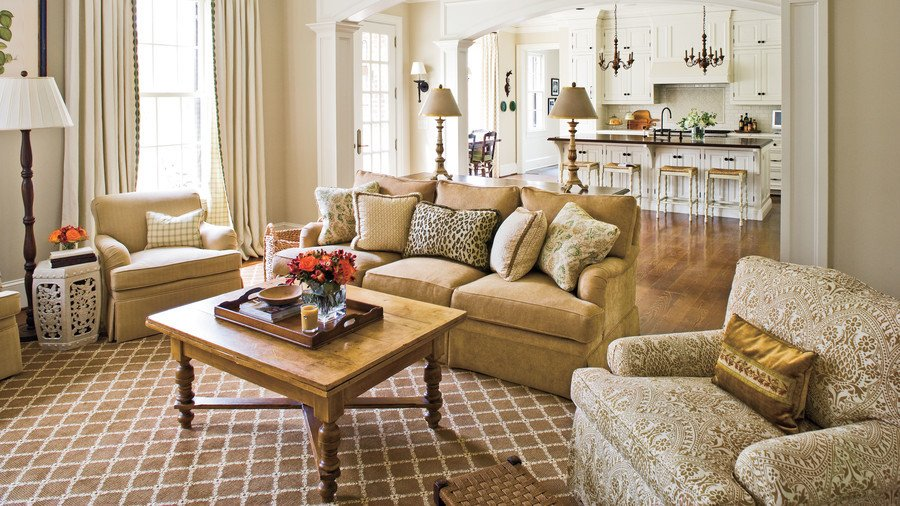 Southern Traditional Living Room Stylish Traditional yet Family Friendly Decorating