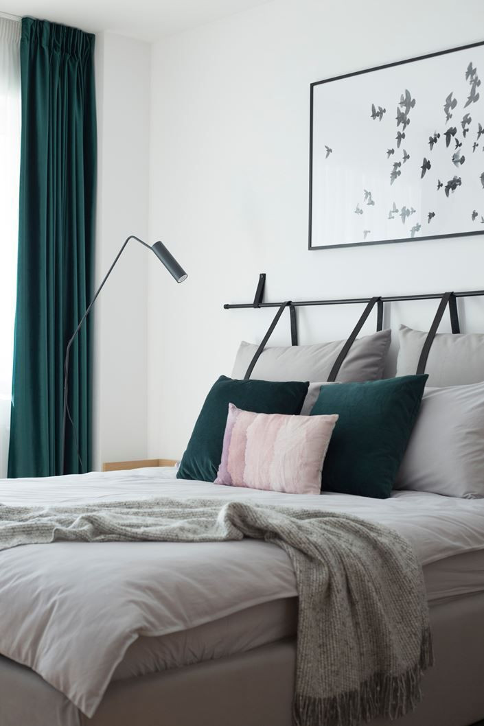 Teal and Gray Bedroom Decor Teal and Grey Bedroom Decor with Unusual Pillow Headboard