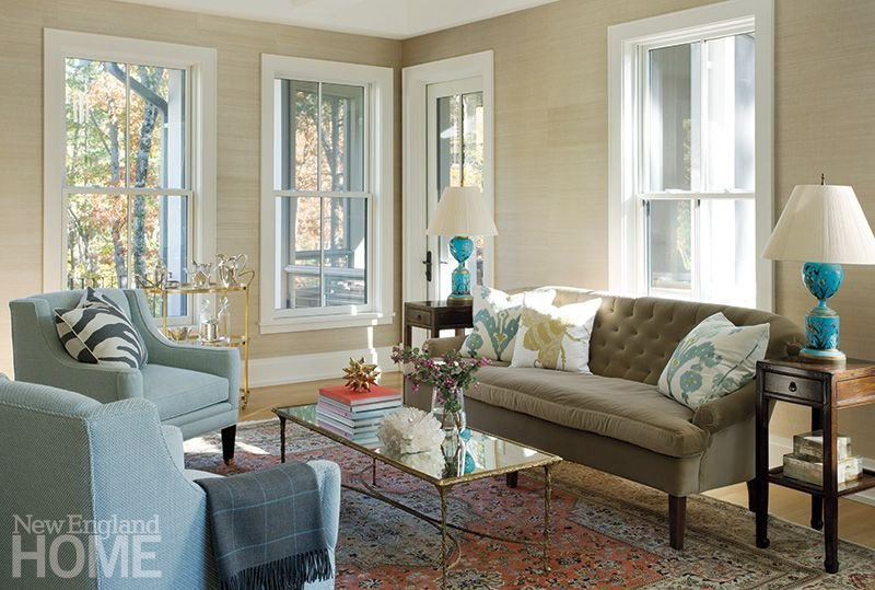 Traditional Chic Living Room Contemporary Chic Mixed with Traditional Furnishing In