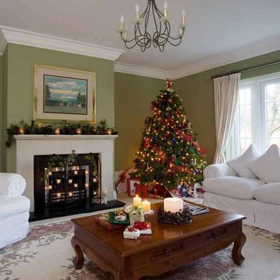 Traditional Green Living Room Traditional Green Living Room with Christmas Tree