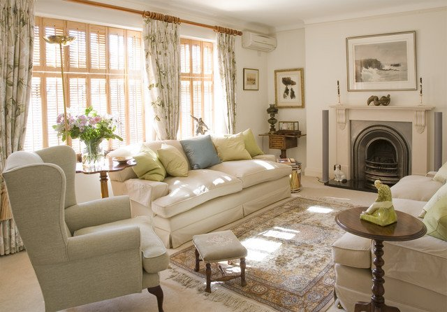 Traditional Living Room Apartment Charming City Apartment Traditional Living Room