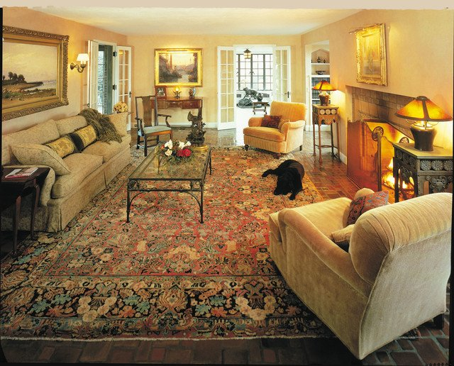 Traditional Living Room Carpets Antique Sarouk Rugs Makes A Room Elegant and Cozy