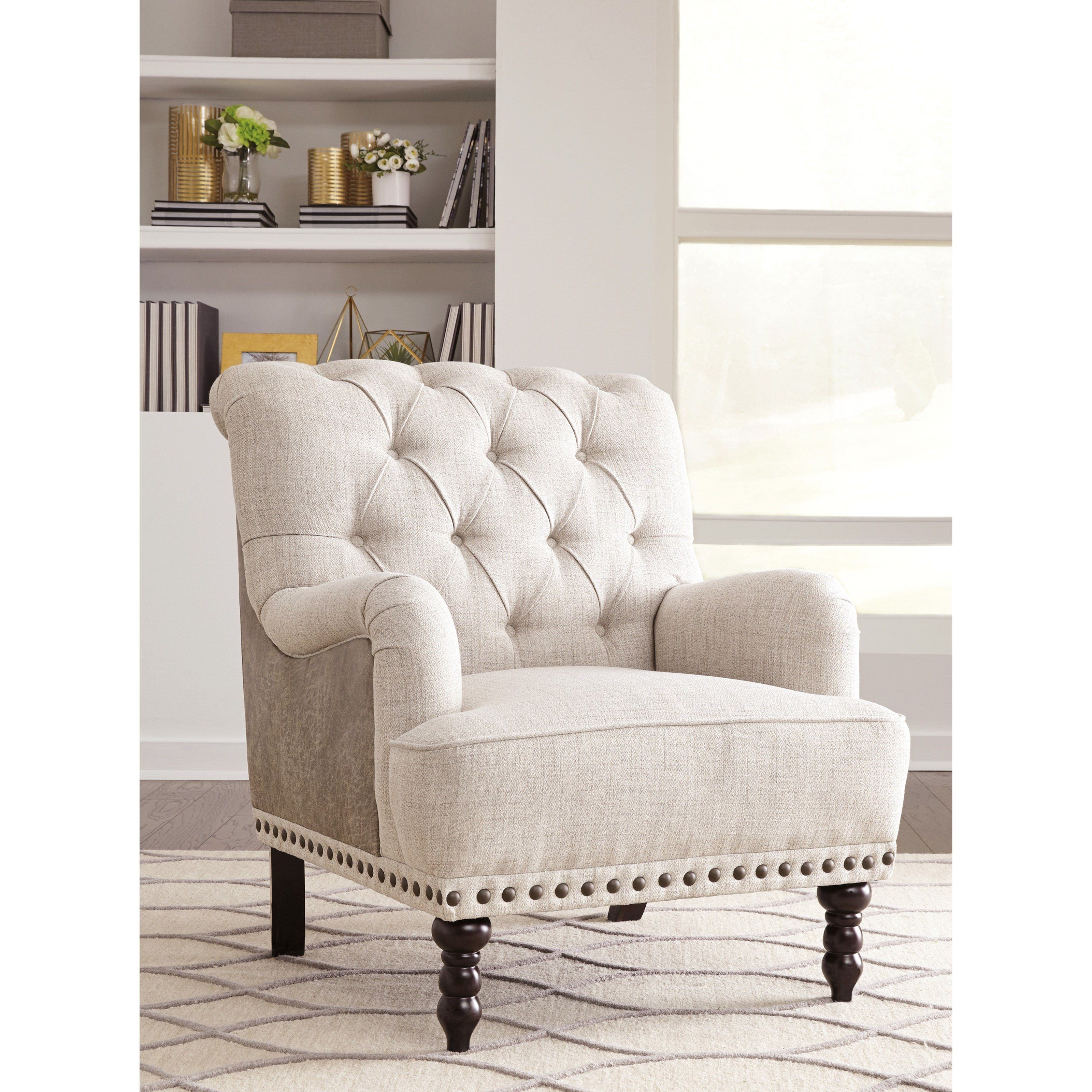 Traditional Living Room Upholstered Chairs Styleline Tartonelle A Traditional Accent Chair