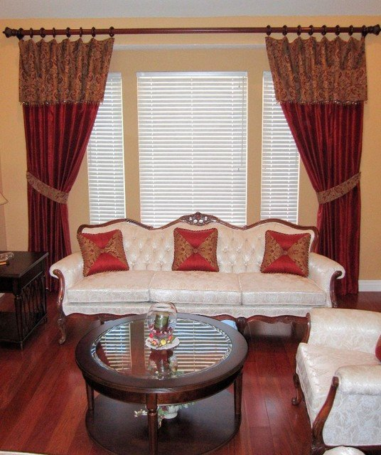 Traditional Living Room Windows Window Treatments