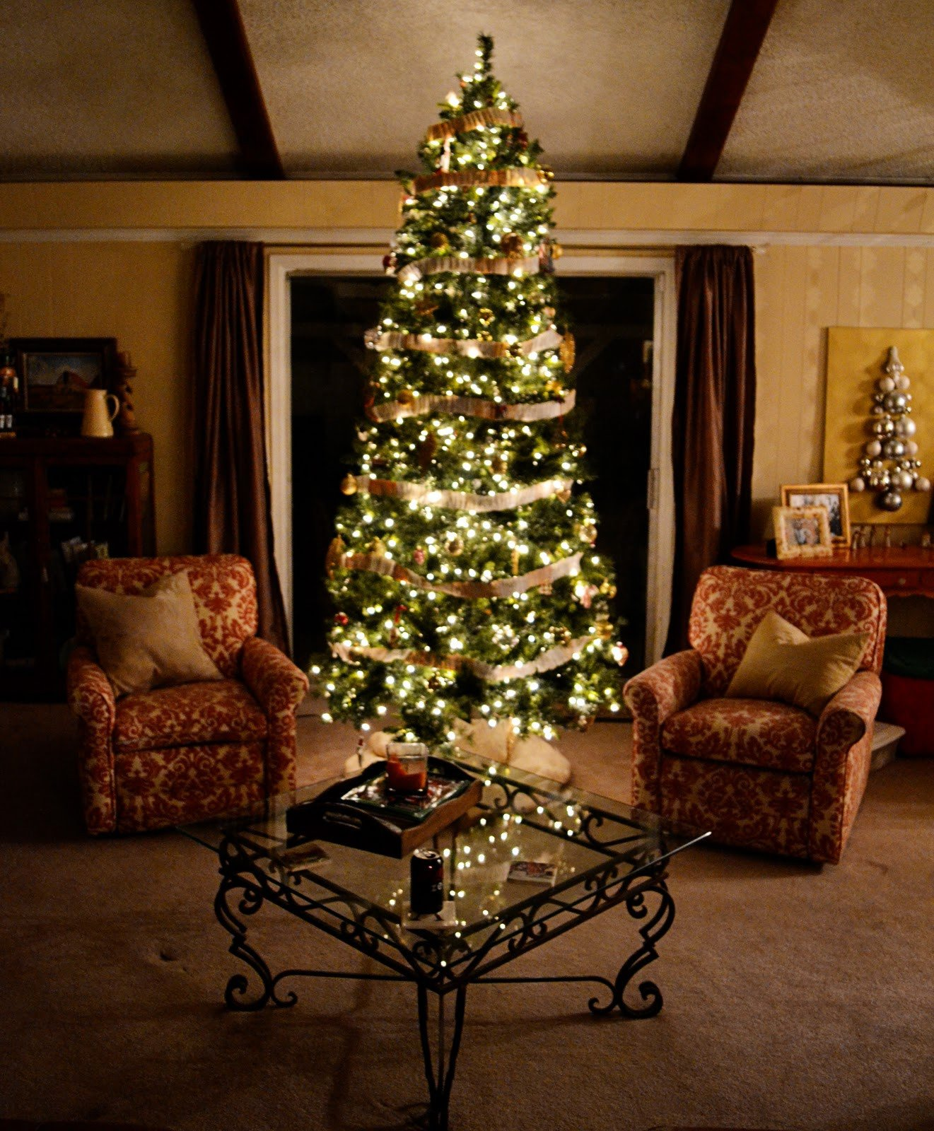 Tree Decor for Living Room A Silver Xmas