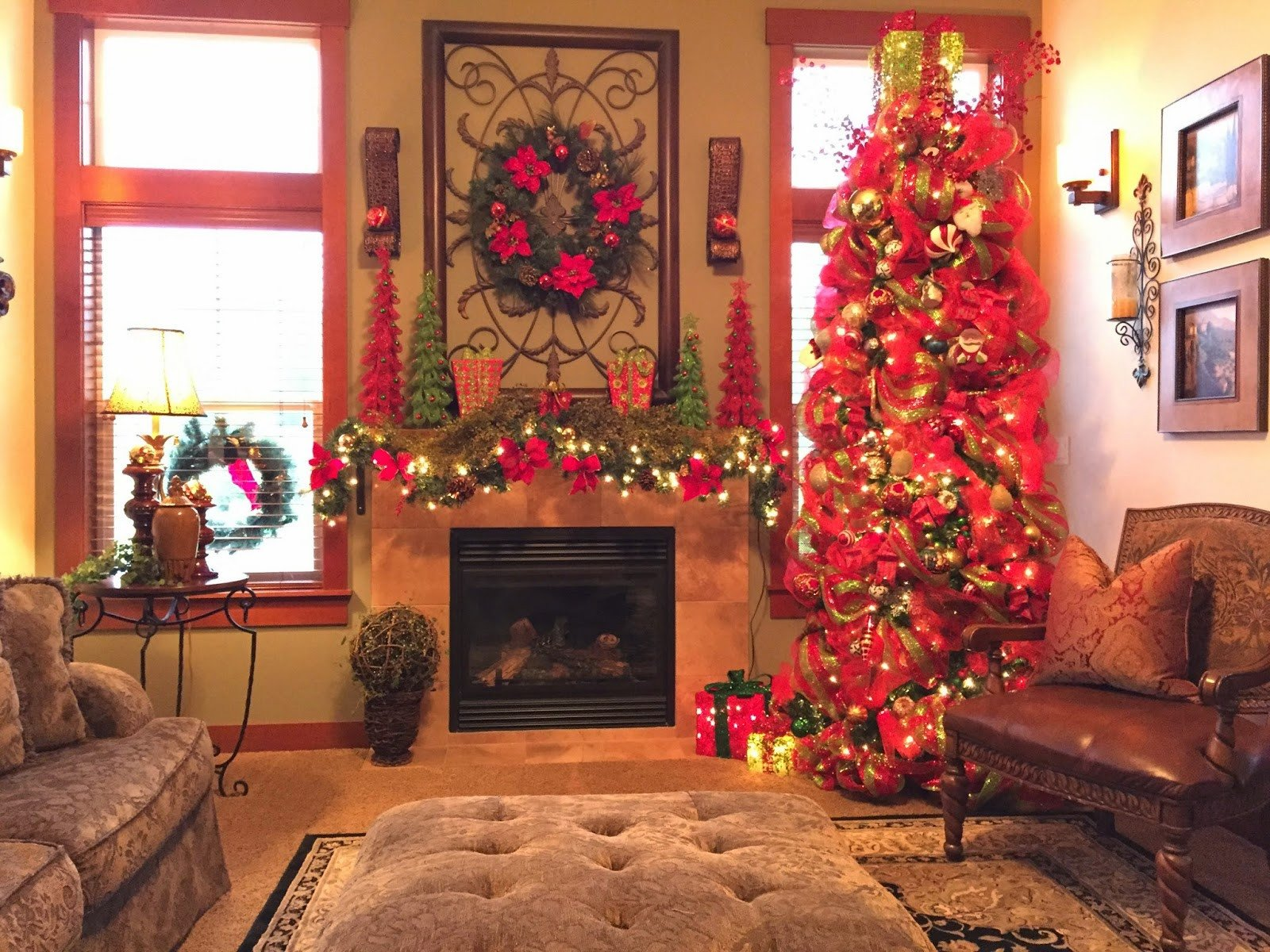 Tree Decor for Living Room the Tuscan Home the Living Room Christmas Tree