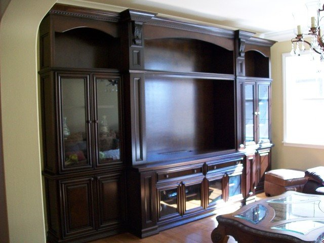 Wall Units Traditional Living Room Entertainment Center and Wall Units