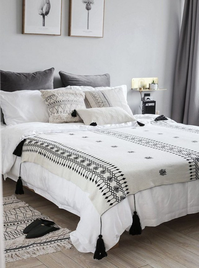 White and Gold Bedroom Decor 19 Amazing Black and White Bedroom Decor Renovation Home