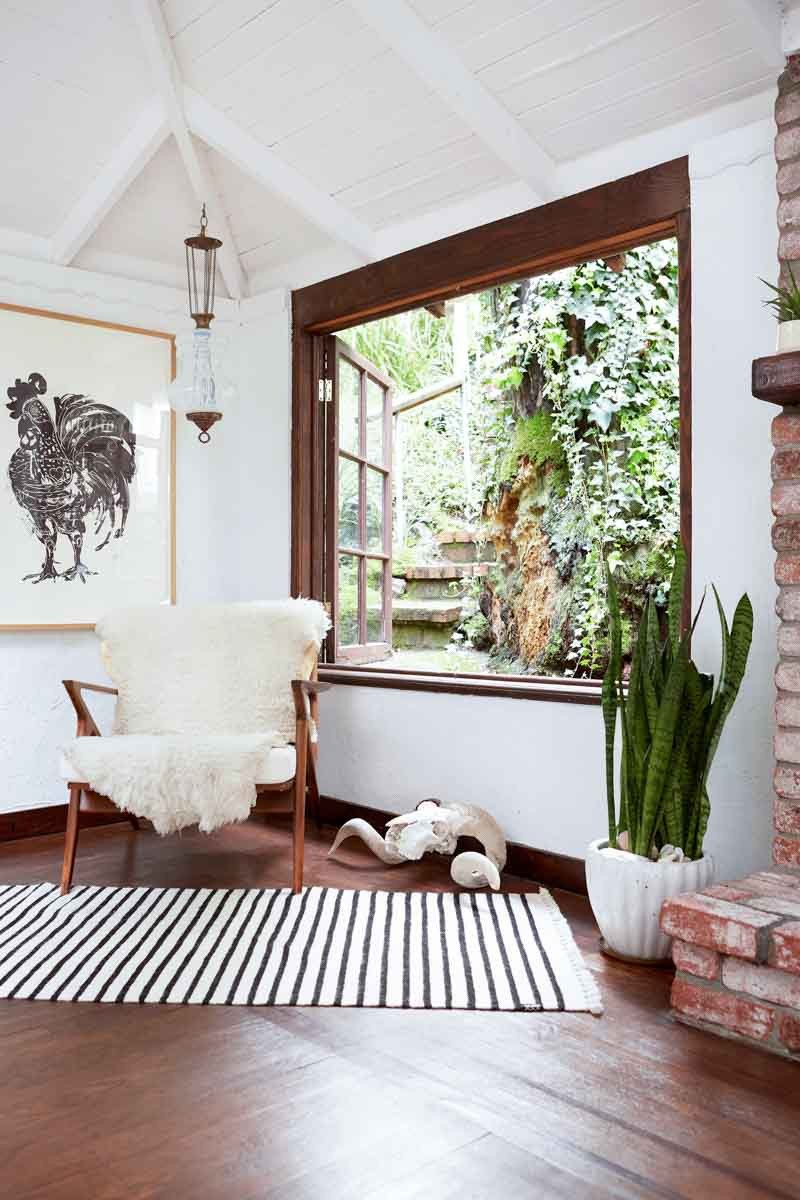 White Living Room Decor Ideas the White Wall Controversy How the All White Aesthetic